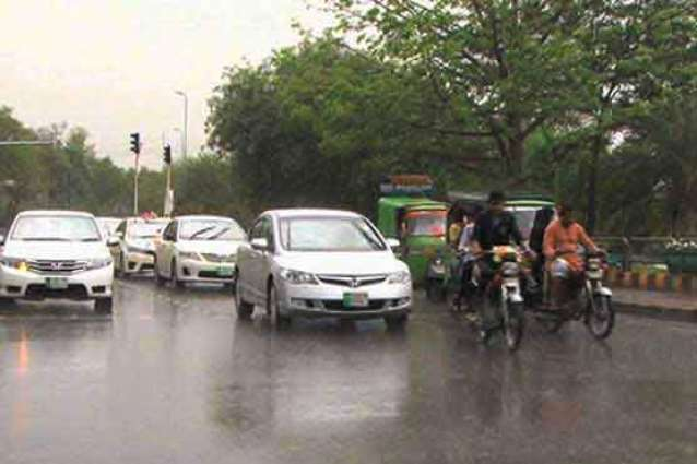 Intermittent rain continues in Islamabad and Rawalpindi