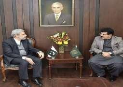 رئیس مجلس الشیوخ الباکستاني محمد صادق سنجراني یستقبل القنصل العام الایراني لدي اسلام آباد