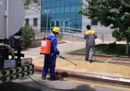 جامعة جازان تعقم وتطهر مبانيها للوقاية من فيروس كورونا