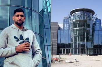 Amir Khan offers his marriage hall for treatment of Coronavirus patients in Bolton