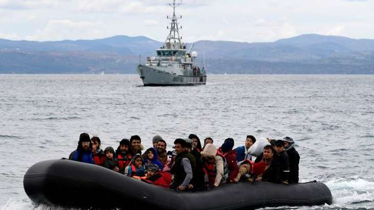 Greek Authorities Holding of 450 Migrants on Naval Vessel Violates Int'l Law - Watchdog