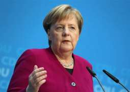Merkel Says Hopes Eurogroup Will Agree on Economic Measures at Thursday Talks