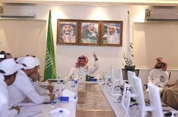 سمو الأمير تركي بن طلال يتابع أعمال مركز القيادة والتحكم بصحة عسير