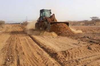 إيقاف التعديات على الأراضي الحكومية بمحافظة بارق