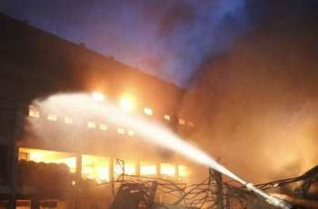Huge Fire Engulfs High-Rise Roofs in Berlin - Firefighters