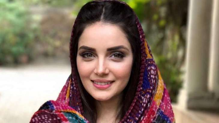 Armeena Khan shares beautiful message with fans