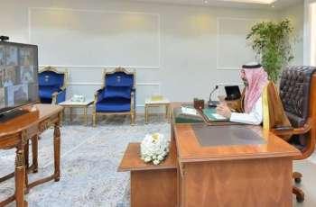 سمو أمير نجران يعقد اجتماعاً طارئاً لاستعراض خطط تنفيذ الإجراءات الجديدة لمواجهة كورونا