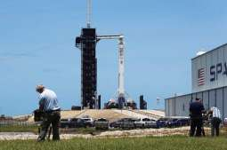 Chances of Manned SpaceX Mission Launch on Saturday Remain at 50% Due to Weather - NASA