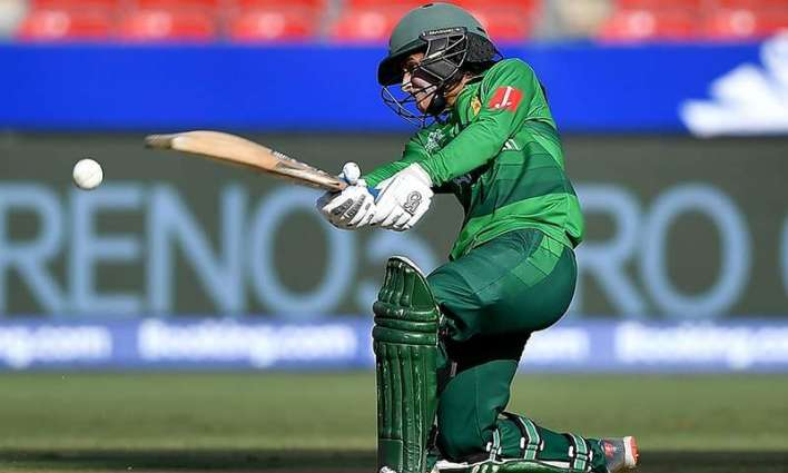 Javeria Khan says she wants to play with Babar Azam , MS Dhoni
