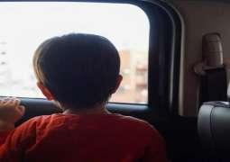 شرطة أبوظبي تناشد الأسر بحماية الأطفال من الاختناق بالمركبات