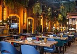 Moscow Cafes With Summer Verandas Welcome First Guests After COVID-19 Hiatus