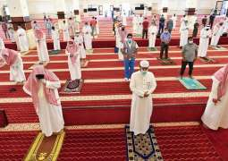 جوامع ومساجد محافظة جدة تشهد إقامة صلاة الجمعة عقب رفع تعليقها وسط إجراءات احترازية