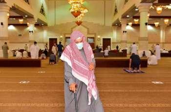 جوامع ومساجد حائل تشهد التزام المواطنين والمقيمين بالإجراءات الاحترازية خلال صلاة الجمعة