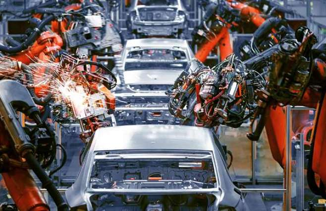 UK Manufacturing Index Remains Low at 40.7 in May Although Slight Rise Observed - Tracker
