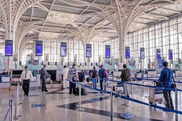 مطار الأمير محمد بن عبدالعزيز الدولي بالمدينة المنورة يكثف جهوده الاحترازية تزامناً مع بدء التشغيل التدريجي للرحلات الداخلية