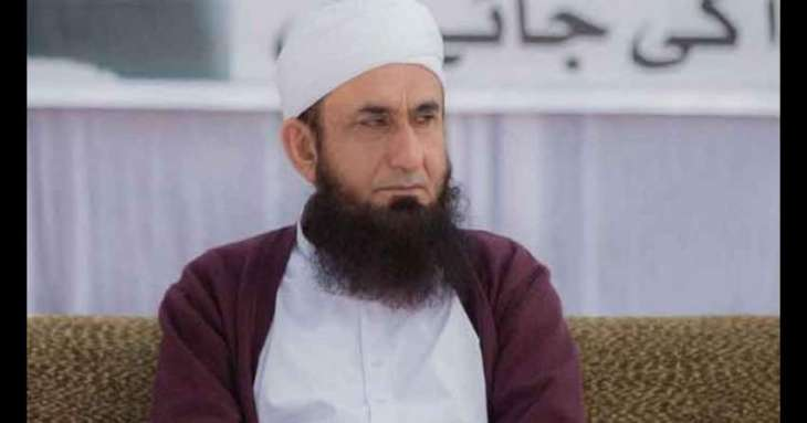 Maulana Tariq Jameel gets serious injuries after slipping on the floor
