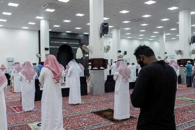 صحة حفر الباطن تشارك إدارة المساجد لنشر التوعية أثناء صلاة الجمعة