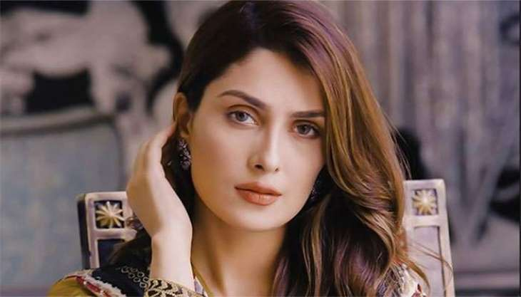 Ayeza Khan Thanks fans after her instagram account hit six million followers