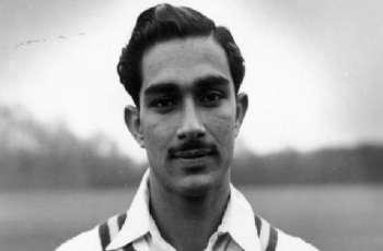 وفاة لاعب الکریکیت الباکستاني السابق خالد وزیر عن عمر ناھز 84 عاما