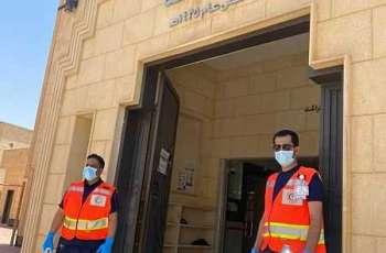متطوعو الهلال الأحمر السعودي بحائل يقيمون نقاط فرز في جوامع المنطقة