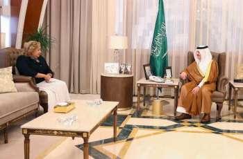 سمو أمير المنطقة الشرقية يلتقي القنصل العام الأمريكي بالظهران