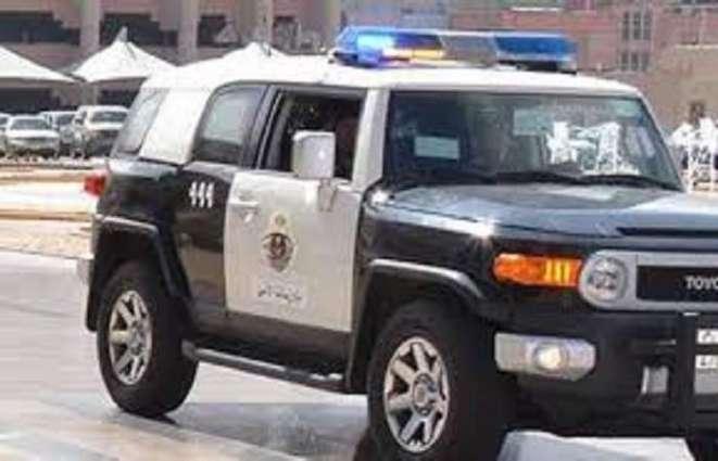 القبض علي 5 أشخاص بتھمة احتجاز مقیم سوداني و الاعتداء علیہ بالضرب في السعودیة