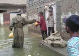 Pak Army's relief efforts continue in rain-hit areas of Karachi