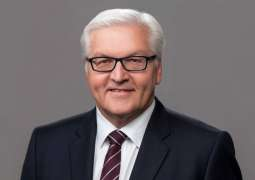 German President Receives Policemen Who Deterred Protesters From Breaking Into Bundestag