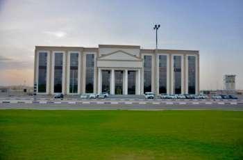 جامعة أبوظبي تقدم منحا دراسية للطلبة المتفوقين للالتحاق بحرمها الجديد في العين