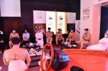 عبد الله المري يترأس اجتماع اللجنة التنفيذية لمراكز الشرطة الذكية في السيف