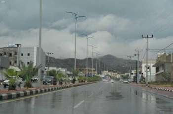 أمطار على رجال ألمع ومحايل وبارق والمجاردة