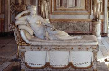 Austrian Who Snapped Toes Off 19th Century Sculpture in Italy Agrees to Pay for Damage