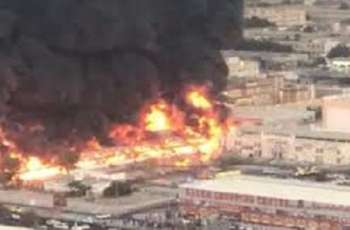 Massive Fire Breaks Out at Market in Industrial Zone of UAE's Ajman Emirate - Reports