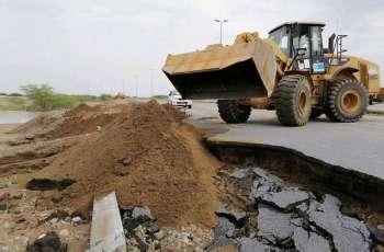 بلدية الشقيق تكثف أعمال الإزالة لمخلفات الأمطار
