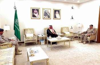 سمو الأمير منصور بن محمد يستقبل قائد قوة حفر الباطن بمناسبة تعيينه