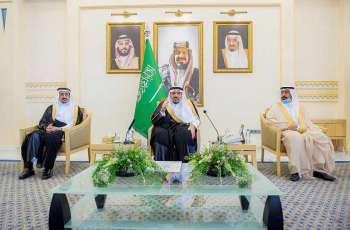 سمو الأمير فيصل بن مشعل يكرم رئيس وأعضاء مجلس فتيات القصيم نظير ما قدمه المجلس من مبادرات اجتماعية