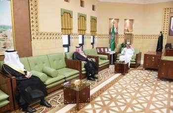 وكيل إمارة منطقة الرياض يلتقي بمديري التعليم والنقل