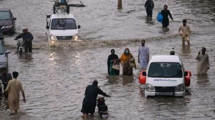 Heavy rain brings Karachi again into trouble