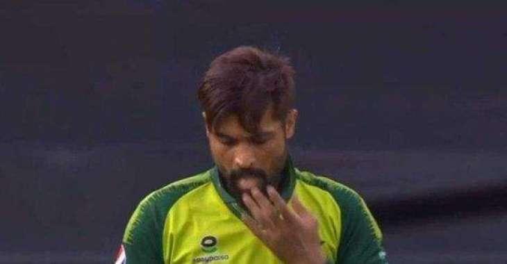 PakVsEngland: Muhammad Amir uses saliva to ball during first T20