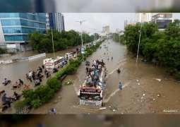 Emirati field teams begin rescuing 75,000 people affected by floods in southern Pakistan