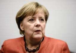 Merkel Congratulates Suga on Winning Japan's Premiership