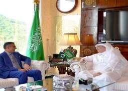 مدیر الخطوط الجویة الباکستانیة یلتقی سفیر السعودیة لدي اسلام آباد