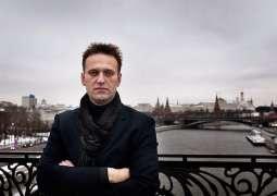 Kremlin Spokesman Wonders Why Bottles From Navalny's Hotel Room Flown Out of Russia