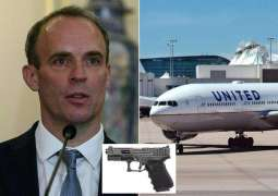 UK Police Conducting Internal Probe Amid Reports Raab's Bodyguard Left Loaded Gun on Plane