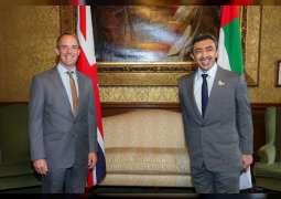 عبدالله بن زايد يلتقي وزير خارجية بريطانيا