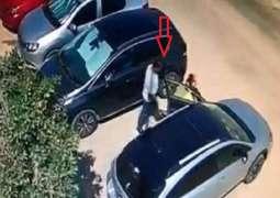 القبض علی رجل بتھمة اغتصاب ثلاثة أطفال وسط الشارع فی مصر