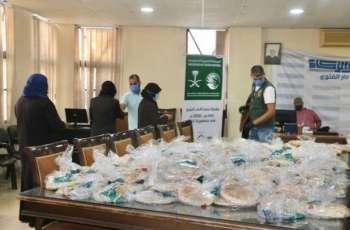 مركز الملك سلمان للإغاثة يواصل توزيع 6 آلاف ربطة خبز يوميًا على الأسر المتعففة شمال لبنان