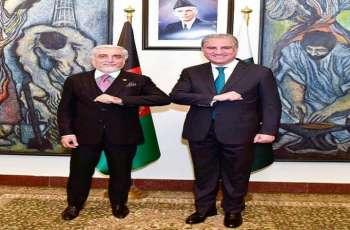 وزیر خارجیة باکستان یستقبل ئیس المجلس الأعلی للمصالحة الوطنیة الأفغانیة عبداللہ عبداللہ