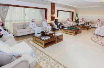 سمو نائب أمير الشرقية يلتقي رئيس وأعضاء لجنة الضيافة بغرفة الشرقية