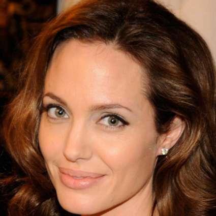 Angelina Jolie extends helping hands to boys selling lemonade for Yemen crisis